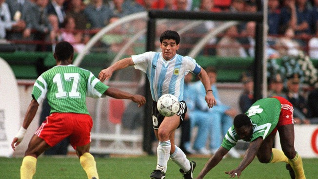 Maradona pays tribute to Massing