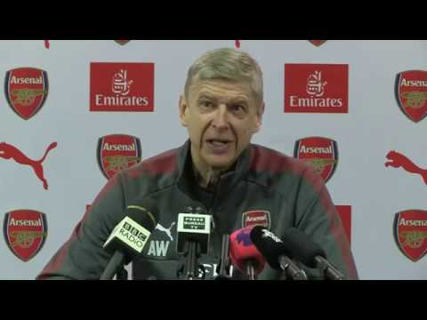 Arsene Wenger takes a dig at Man Citys