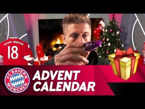 Drawing w/ Robert Lewandowski | FC Bayern Xmas Advent Calendar #18