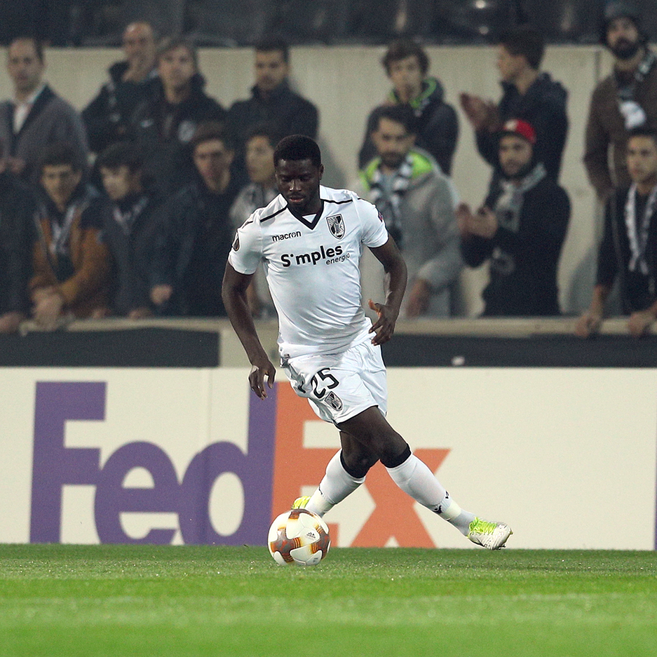 Guimaraes midfielder Alhassan Wakaso suffers knee injury and could be out until the turn of the year