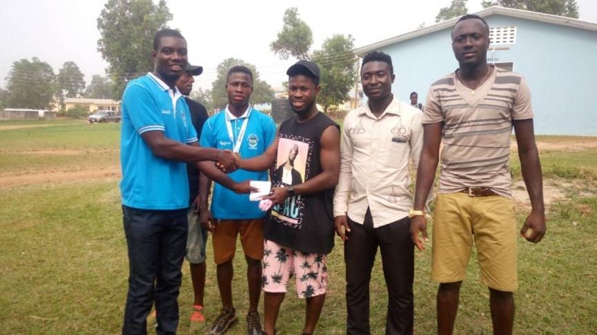 Malmo FF star Kingsley Sarfo donates to former school Adu Gyamfi Senior High