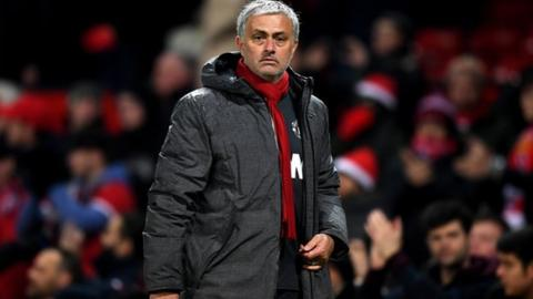 Man Utd close to new Mourinho contract