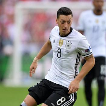 ARSENAL start again renewal talks with star playmaker OZIL