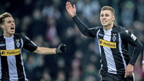 Gladbach vs. Augsburg: Probable line-ups & stats Thorgan Hazard is Gladbach's go-to guy against bogey team Augsburg on Saturday. vor 2 Stunden