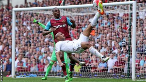 West Ham reject Swansea bid to re-sign Ayew