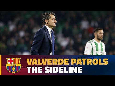 Ernesto Valverde in action during Barça's 0-5 win over Betis