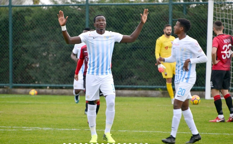 VIDEO: Raphael Dwamena SCORES beautiful curler in FC Zurich friendly win