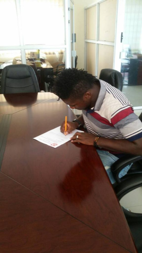 Former Ghana goalie Steven Adams signs a two year deal with Zambia side Nkana FC