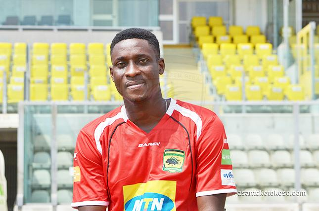 Photos: Asante Kotoko unveil new signing Daniel Darkwah