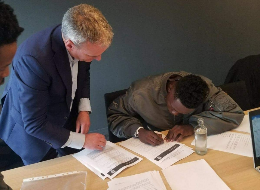 Ghanaian youngster Kamal Sowah pens Leicester City deal