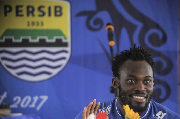 Persib Bandung coach debunks Michael Essien South Korea move reports