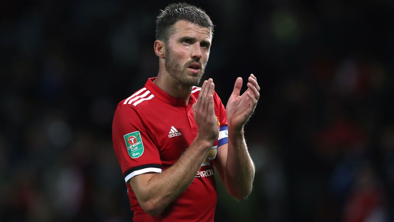Manchester United looking to sign Carrick replacement - Mourinho