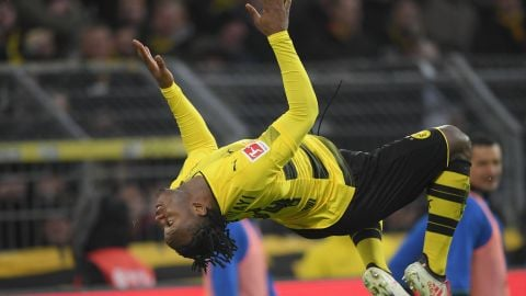 Like a Bat out of Chelsea Michy Batshuayi's explosive form at Dortmund hasn't gone unnoticed by Belgium boss Roberto Martinez. vor 2 Stunden