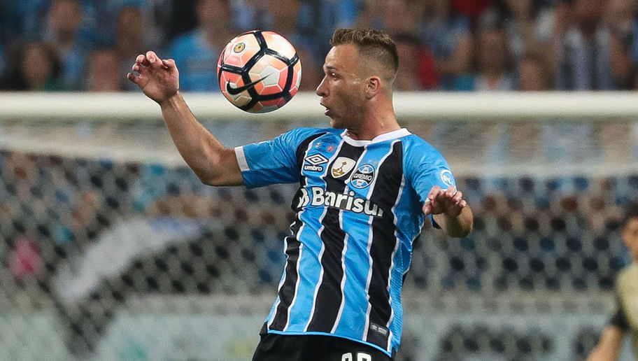 Barcelona Reach Agreement to Sign Long-Term Target Arthur in €40m Deal From Gremio