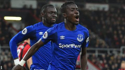 Gueye signs long-term deal at Everton
