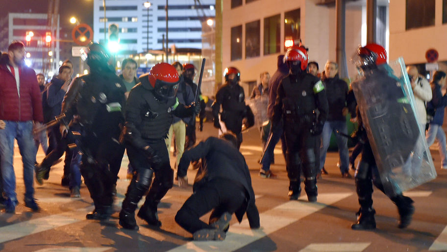 Police Officer Dies as Riots Break Out Prior to Athletic Club's Europa League Clash With Spartak