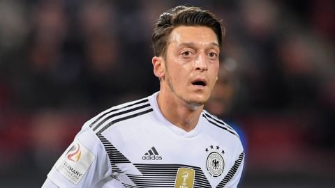 Özil backs Ruhr area Unesco world heritage plan The ex-Schalke and Werder Bremen star has agreed to become a patron for an ambitious Ruhr area bid. vor 2 Stunden