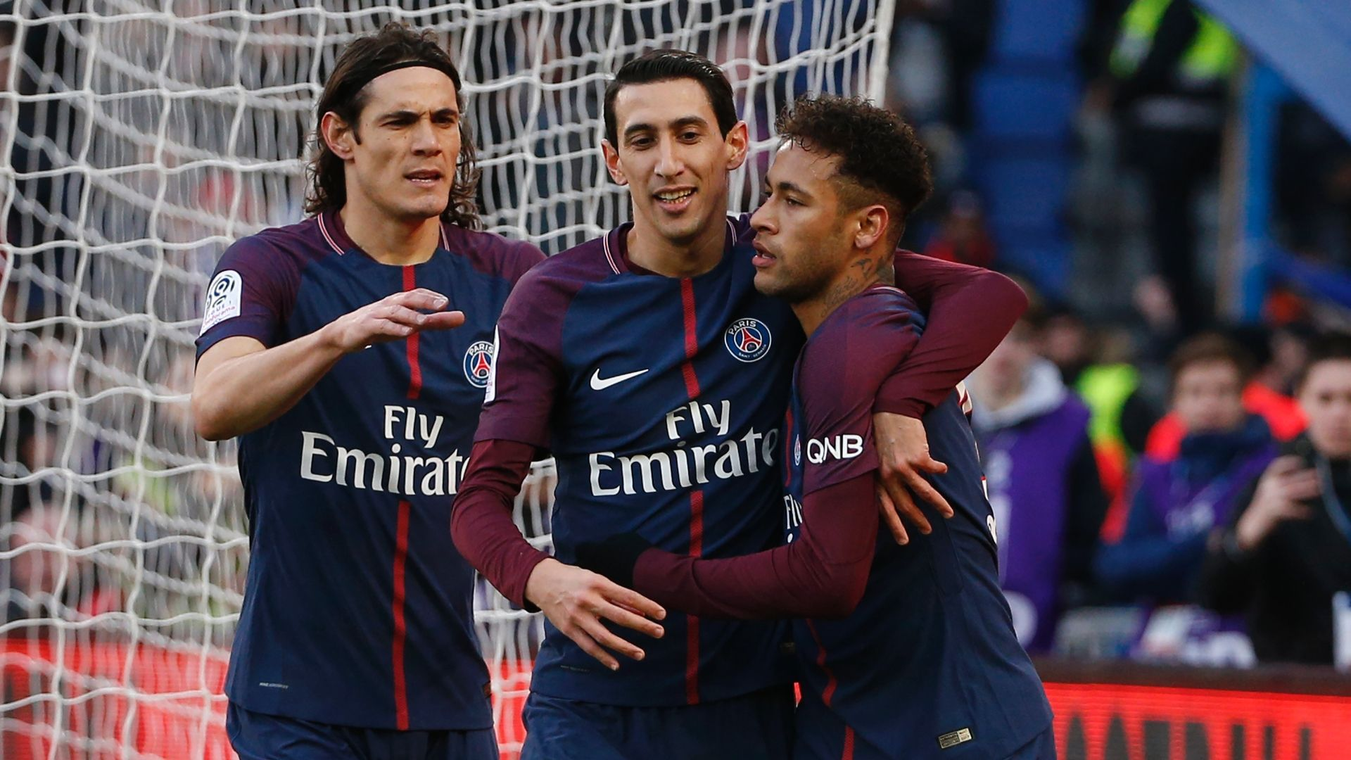 Paris to crowded for Cavani, Neymar, Mbappe