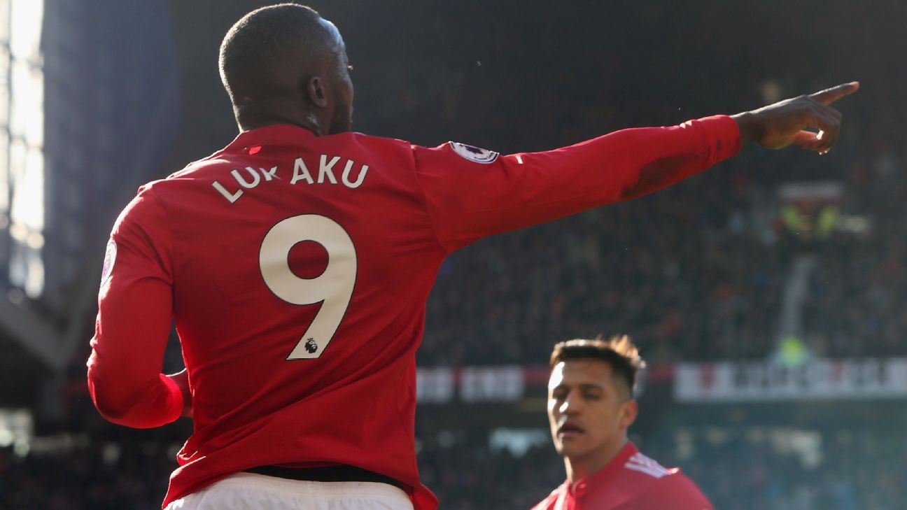 Lukaku gets the best of his former club, powering Man United to 2-1 win