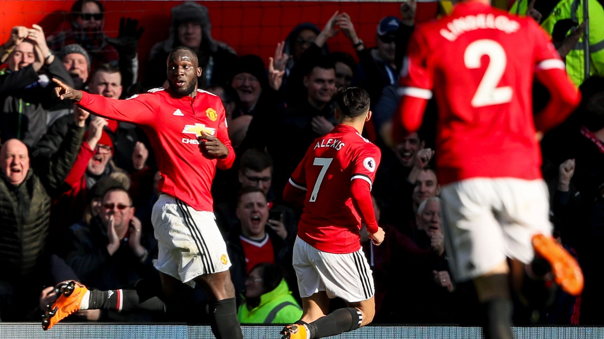 Lukaku powers Man United to win over former club