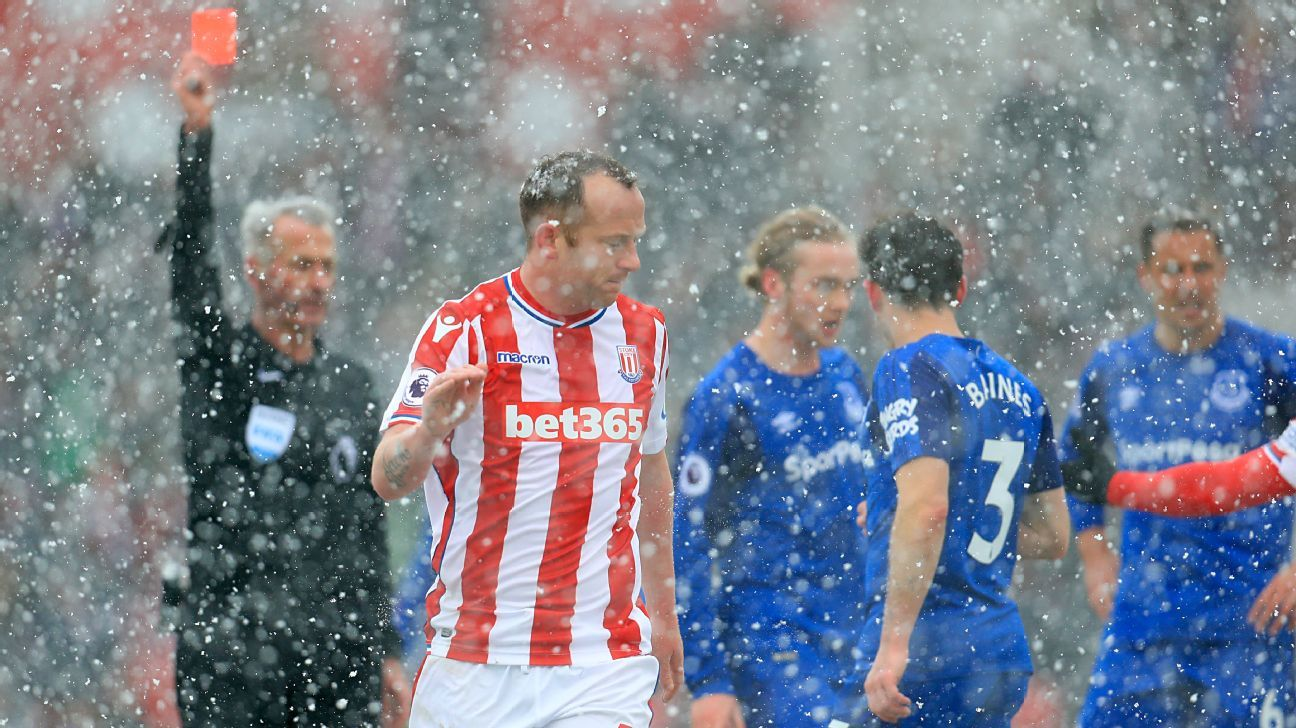 Stoke's Charlie Adam: Red card against Everton 'let the team down'