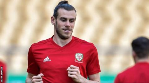 Gareth Bale: Real Madrid star welcomed 'like a God' in China - Giggs