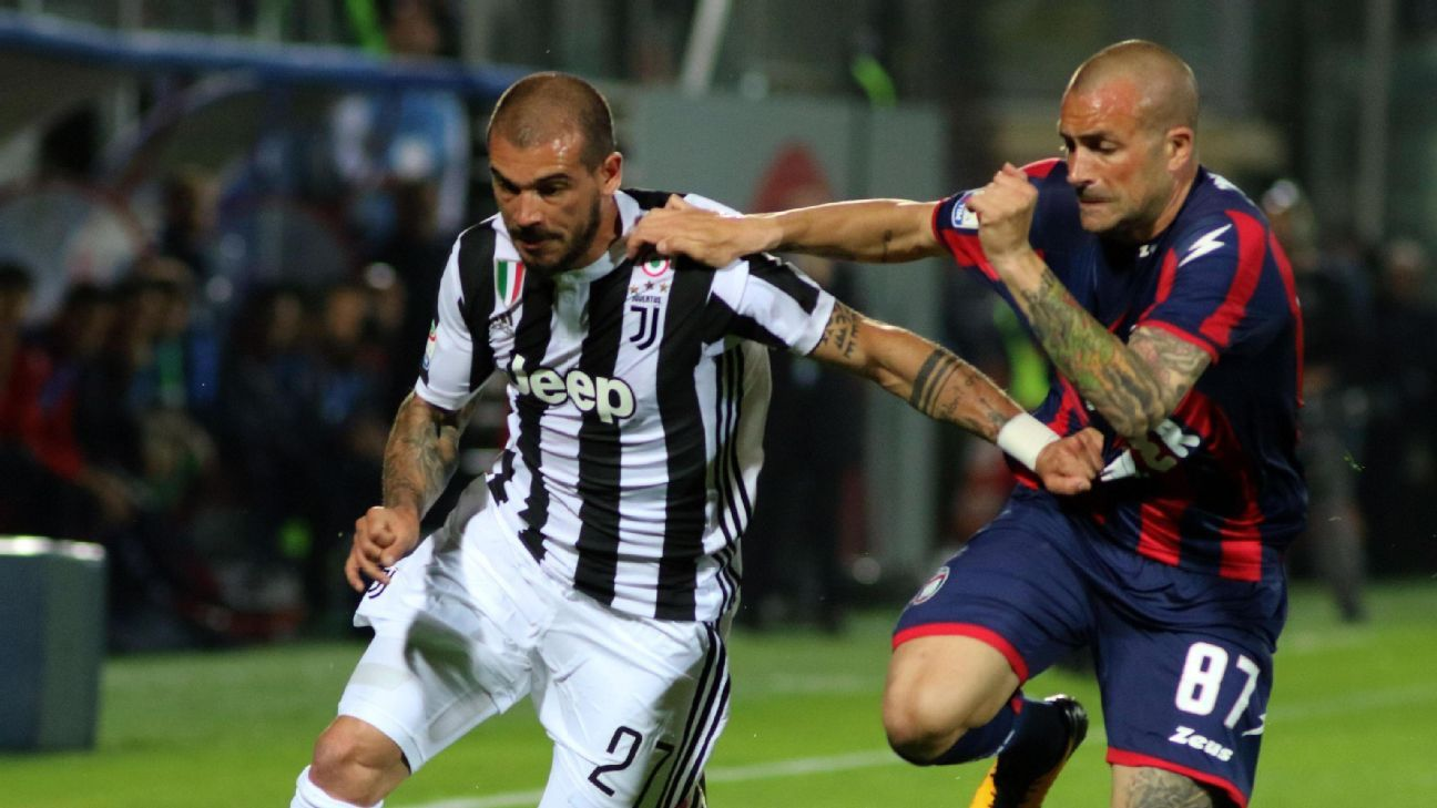 Juventus' Stefano Sturaro turns in poor display, Serie A title race wide open