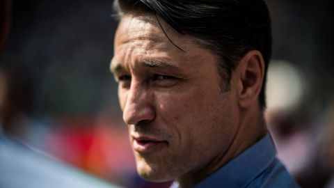 Could Kovac break Bayern system with 3-5-2? The Croatian will attempt to convince Bayern that his tactics at Frankfrut could work in Munich too. vor 2 Stunden
