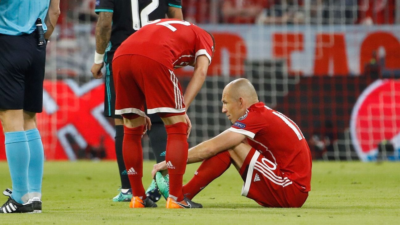 Bayern Munich's Arjen Robben and Jerome Boateng both exit semifinal early