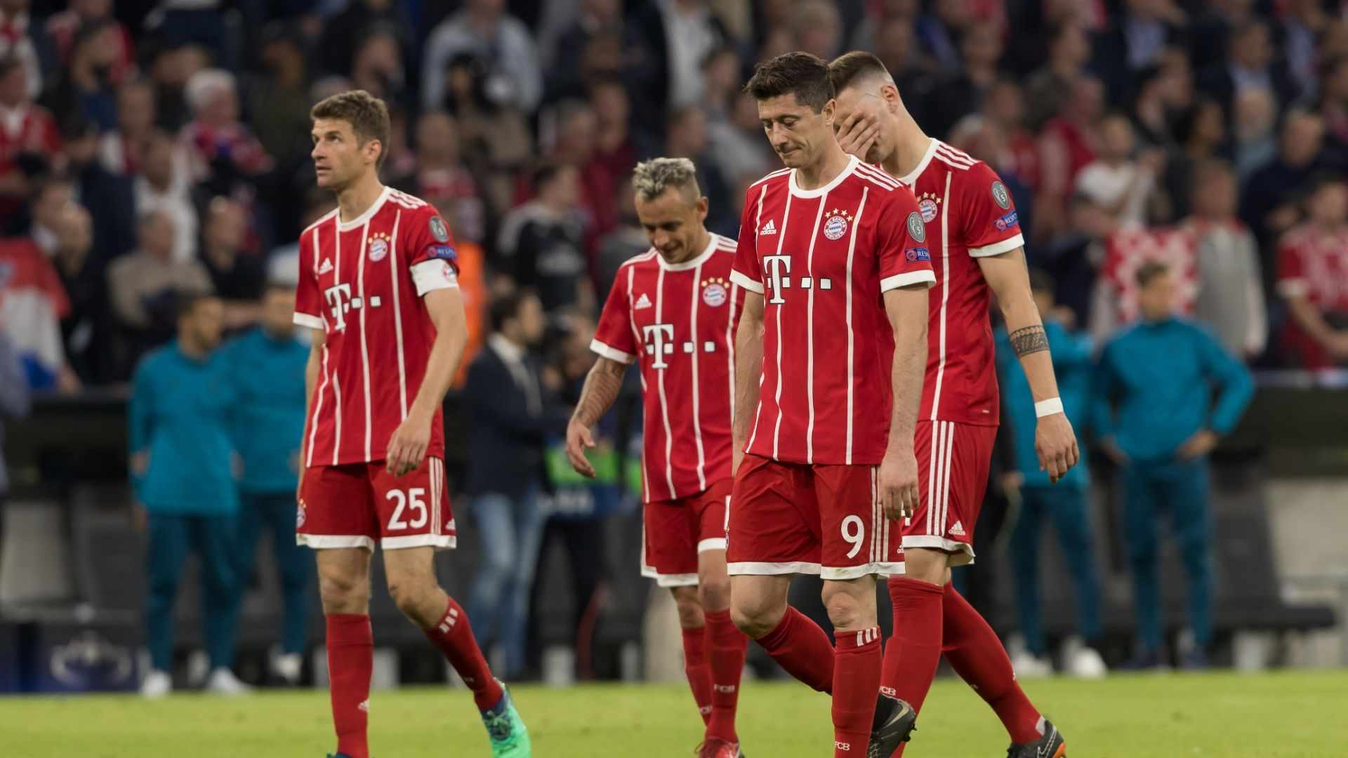 Muller: Bayern 'too naive' in missed chances