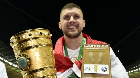 Ante Rebic: who is Frankfurt's DFB Cup hero? bundesliga.com shines a light on the Eagles' Berlin hero and man of the moment. vor 2 Stunden