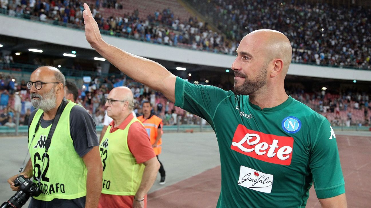 Napoli goalkeeper Pepe Reina to face disciplinary hearing over mafia links