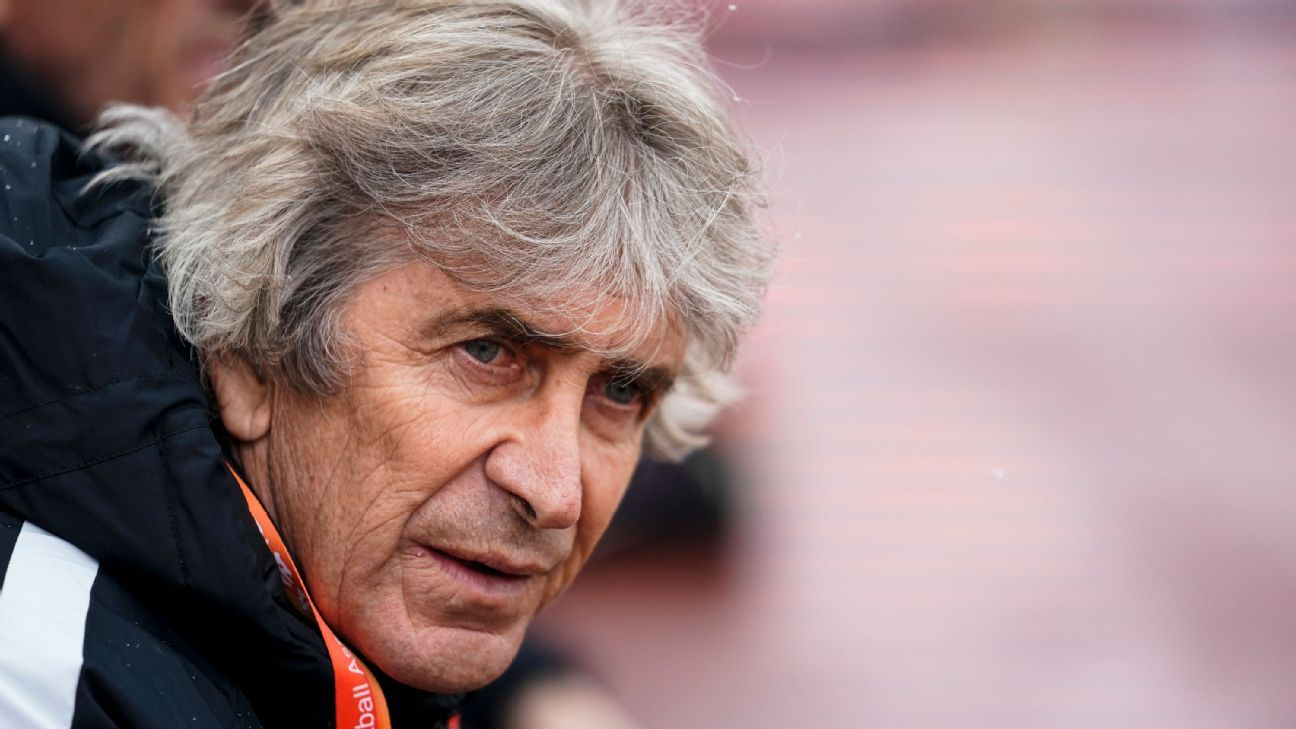 West Ham appoint Manuel Pellegrini as manager to replace David Moyes