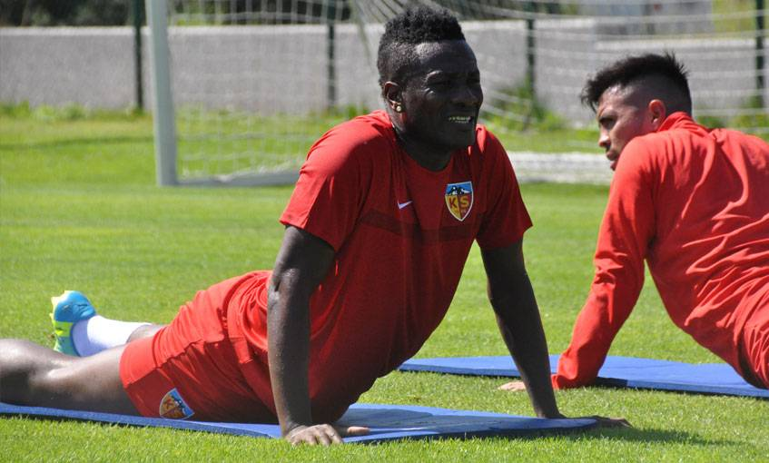Asamoah Gyan in talks over his future with Turkish side Kayserispor