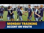 Accent on youth on Monday with Barça B players heavily involved in training
