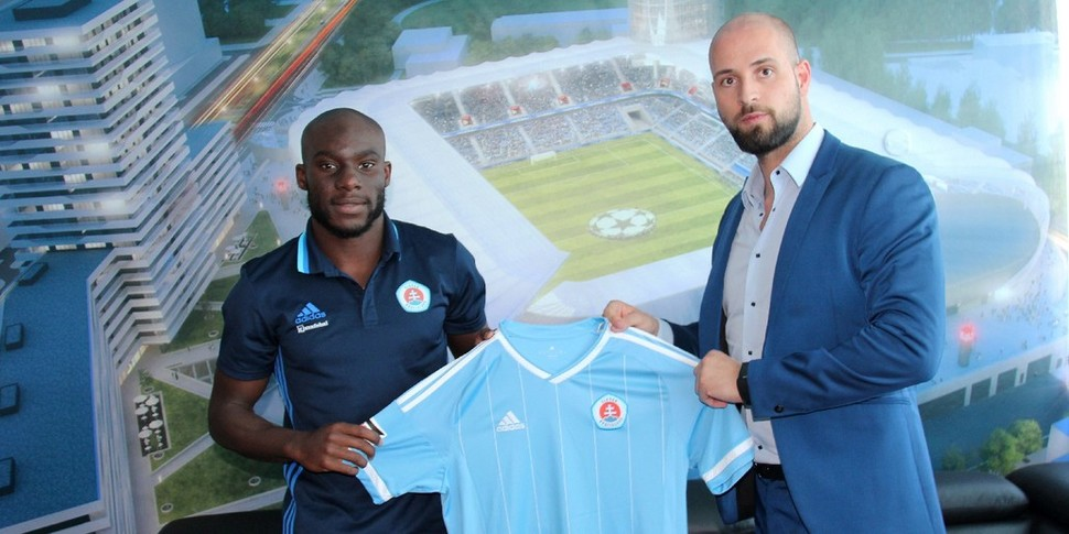 EXCLUSIVE: Dutch-born Ghanaian defender Mitch Apau joins Slovan Bratislava on three-year deal
