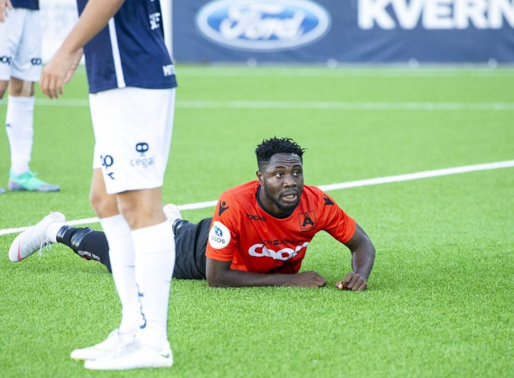 Striker Dennis Antwi comes under pressure after three months without a goal in Norwegian second-tier