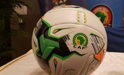 US-based Jonathan Mensah donates kits to juvenile team in native Ghana