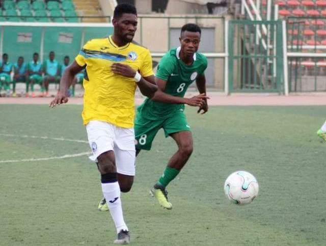 CAF Confederation Cup: Farouk Mohammed converts late penalty to move Enyimba joint top in Group C