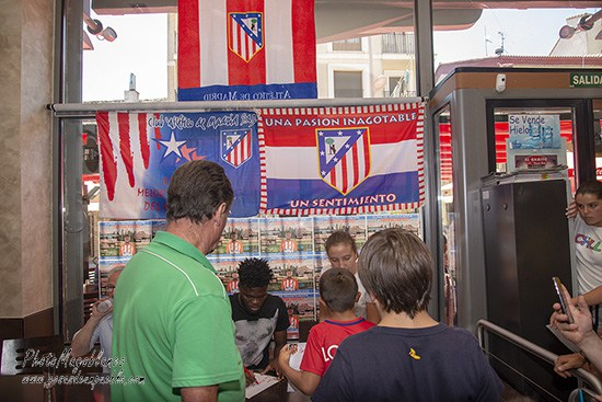 Atletico Madrid star Thomas Partey spends time with students in Las Navas