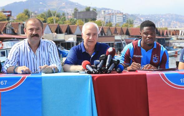 PHOTOS: Ghanaian striker Caleb Ekuban completes Trabzonspor loan deal