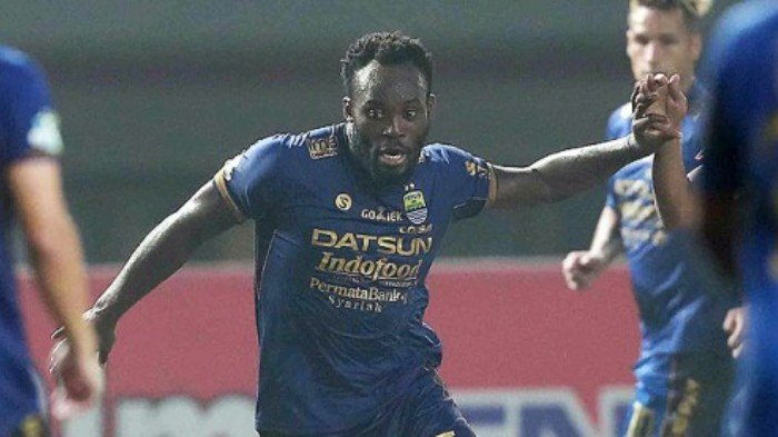 EXCLUSIVE: FOUR Swedish clubs fight over Michael Essien