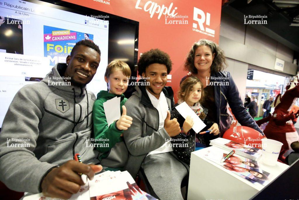 PHOTOS: Defender John Boye signs autographs for FC Metz fans