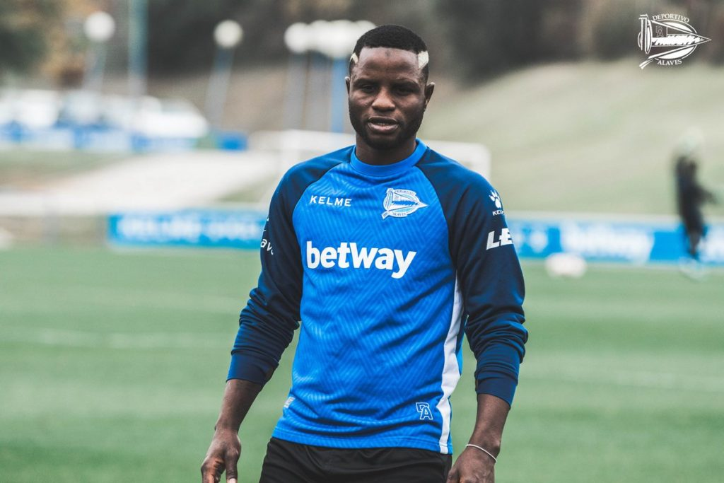 Deportivo Alaves star Mubarak Wakaso was first player to report back after international break