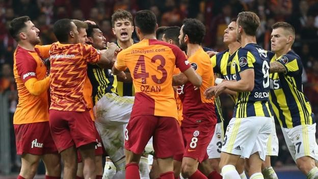 Ghana star Andre Ayew escapes ban over Galatasaray-Fenerbahce brawl