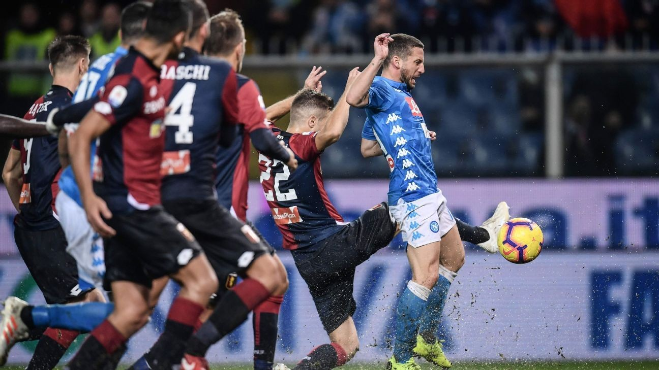 Napoli get win over Genoa under rainy conditions, stay close to Juventus