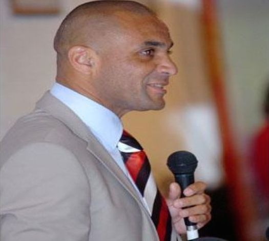 "New Hearts coach Kim Grant promises to rekindle the ""Never Say Die spirit"" of the club"