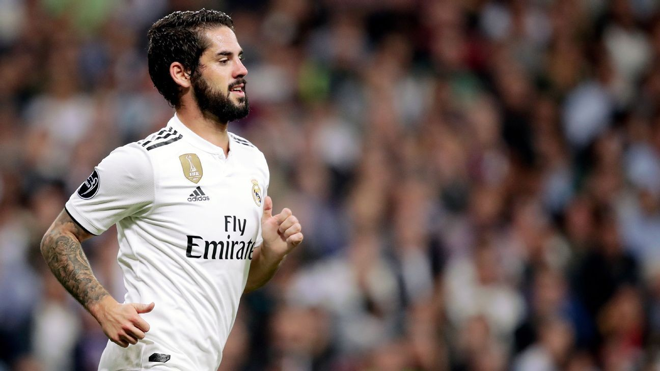 Real Madrid coach Solari insists no player guaranteed to play after  dropping Isco 8207ed8a9e852