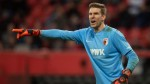 Augsburg goalkeeper played for an hour after losing part of tongue