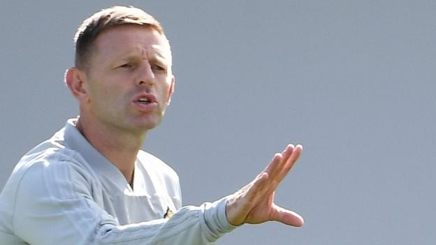 Graeme Jones: West Bromwich Albion assistant manager 'turns down' Luton approach